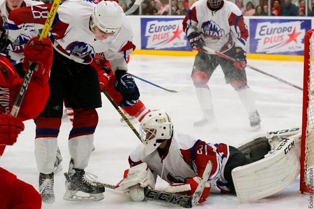Хоккеисты «Алтая» сенсационно выиграли 1-ый матч плей-офф у«Ростова»