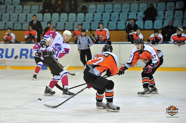 Русские, как поступить в школу хокея в нижнем тагиле лучшая