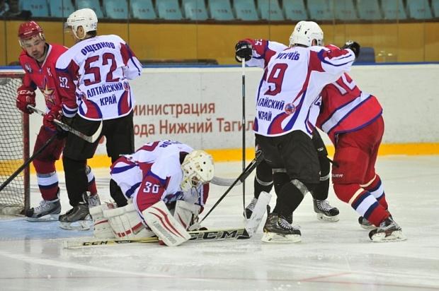 Тагильский хоккейный клуб «Спутник» завоевал «Кубок Уралвагонзавода»