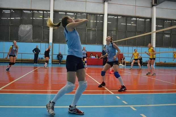 Омские волейболистки оказались на2-м месте втурнире чемпионата