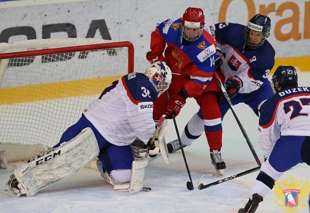 Юниорская сборная России с Андреем Свечниковым пробилась в полуфинал чемпионата мира